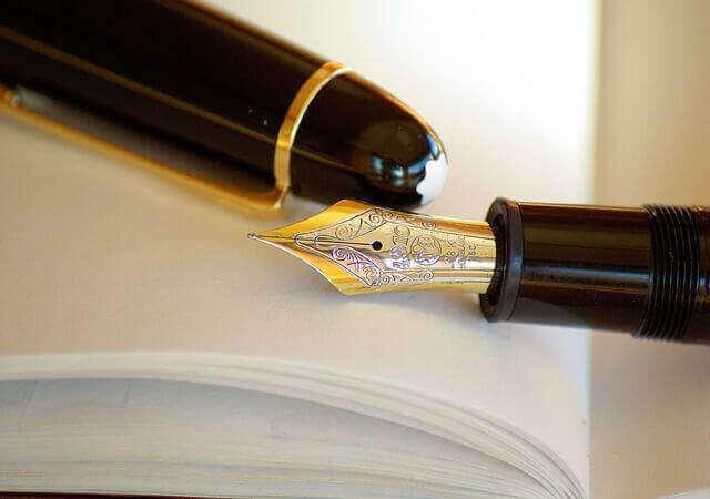 出版代行サービスの利用で作家業に専念する