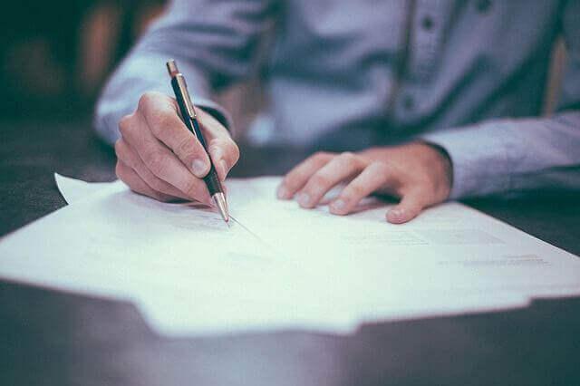 親友に宛てる手紙のような文章を作成する