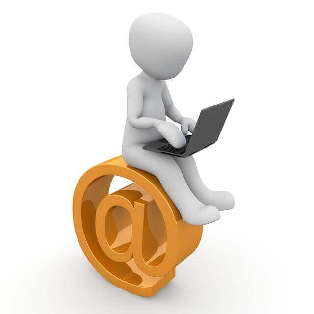 フリーメールを利用するメリット