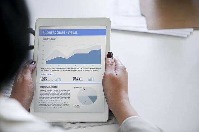 綿密なリサーチとデータ分析で効果的なキーワードを選定