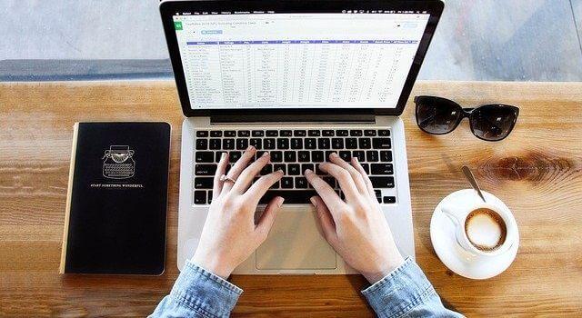 在宅で稼ぐデータ入力とはどんな仕事なのか?初心者向けに内容を解説